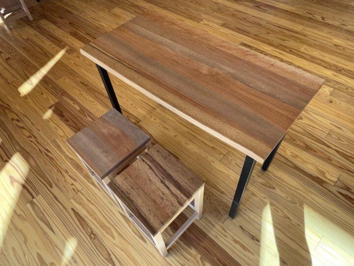 アベマキのテーブル