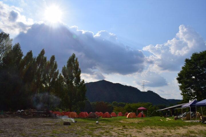 夏のキャンプ風景